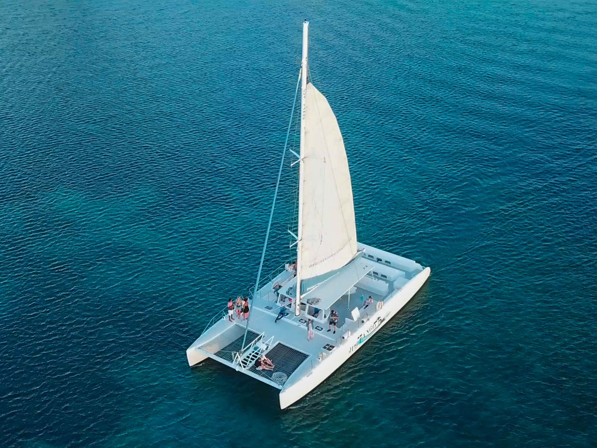 65 Ft Sailing Catamaran - St Lucia – compare prices of most boats in